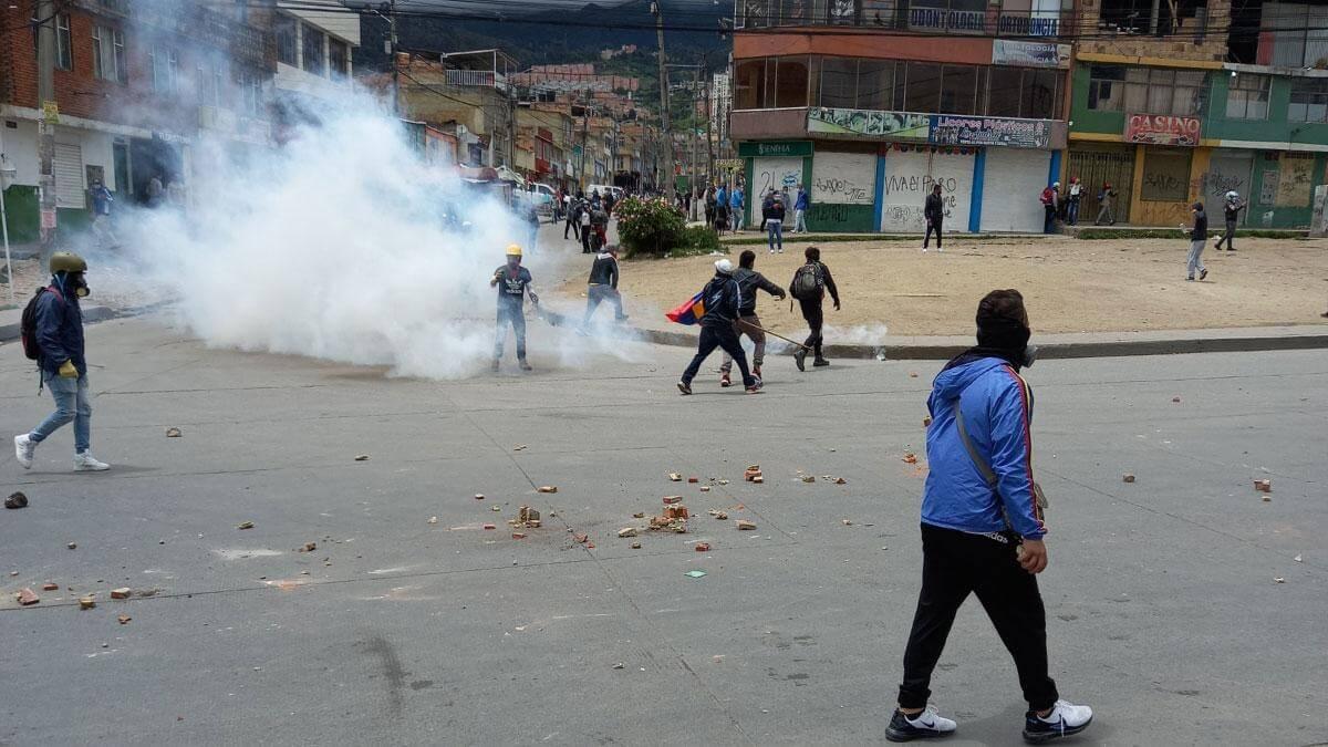 Disturbios en suroriente de Bogotá dejan 5 policías heridos