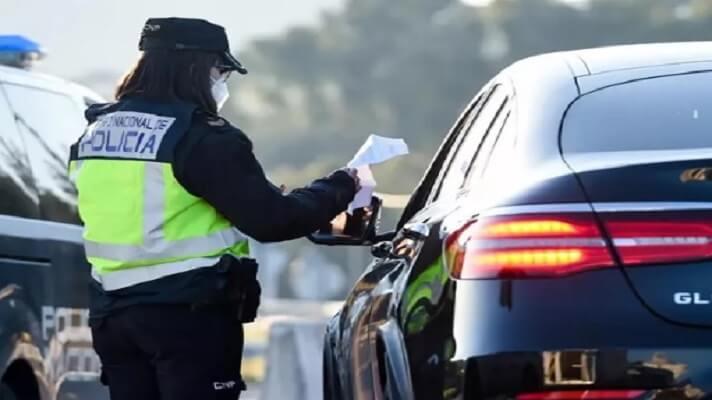 En España, la mafia de las licencias de conducir falsas sigue causando estragos y gran parte de las personas detenidas son venezolanas.