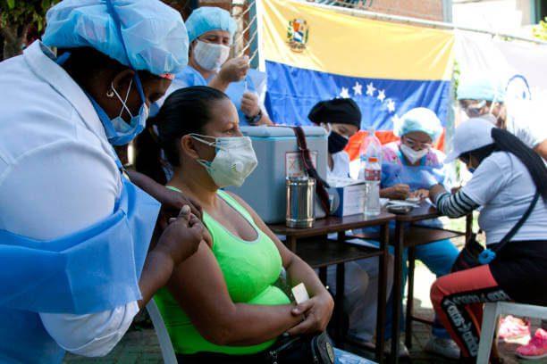 Vacunación de venezolanos en Colombia