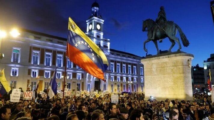 Venezolanos y colombianos, con 28.375 y 27.586 peticiones, respectivamente, encabezaron la lista de solicitudes de asilo en España en 2020. Este año se concedieron 4.359 estatutos de refugiado y se registraron 88.826 solicitudes de protección internacional.