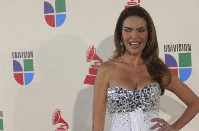 Bárbara Palacios celebra 35 años de su coronación