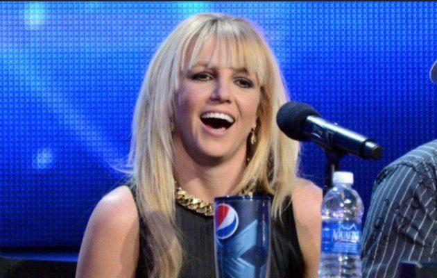 Britney Spears seguirá bajo tutela de su padre