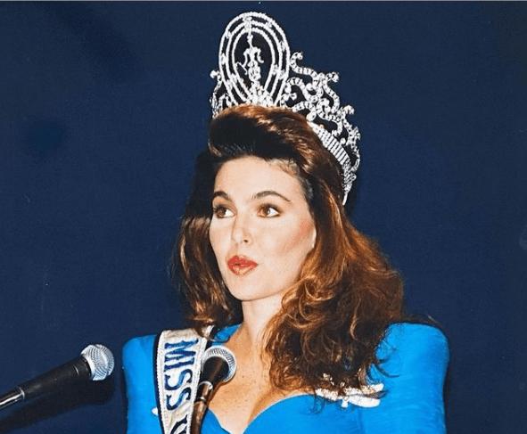 Bárbara Palacios en sus actividades como Miss Universo. Foto Instagram