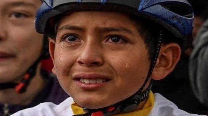 vea-lo-que-publico-el-ciclista-egan-bernal-sobre-el-nino-julian-esteban-que-conmueve-a-colombia