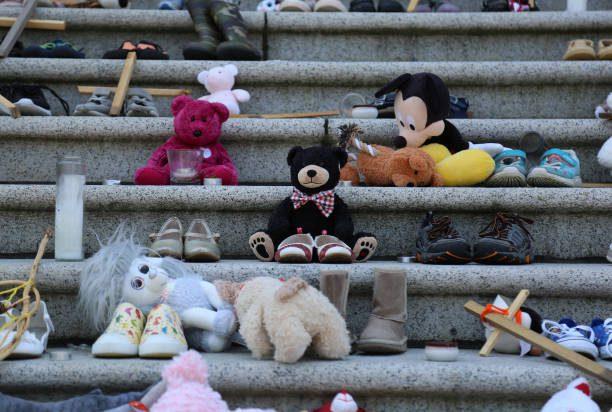 Orden de captura contra presunto abusador de menores