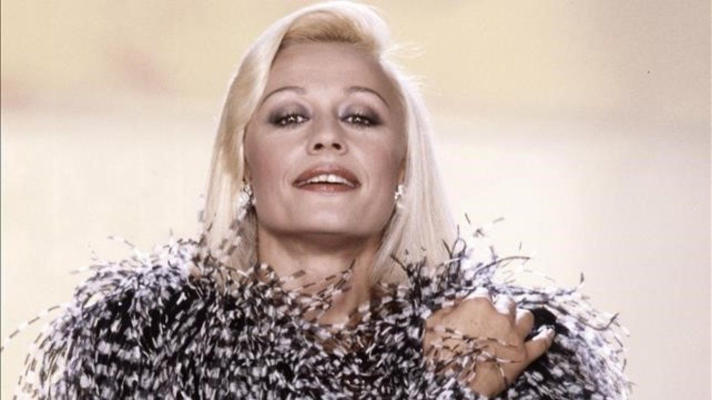 asi-sera-el-funeral-de-la-cantante-italiana-raffaella-carra