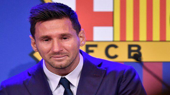 El futbolista argentino Lionel Messi rompió a llorar al inicio de su conferencia de prensa de despedida del FC Barcelona este domingo. Aseguró que nunca pensó que se iría del club español, al que llegó de niño.