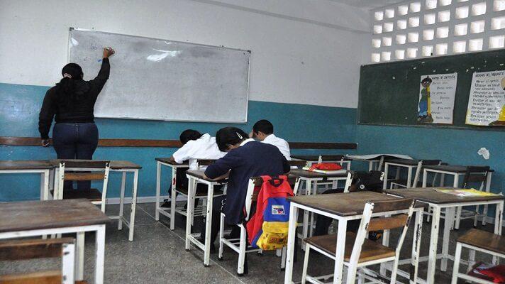 Expertos e investigadores de la educación en Venezuela se reunieron en un foro donde analizaron la situación del sector. En el evento llegaron a la conclusión de que en el año escolar 2020-2021, los muchachos