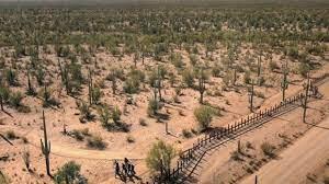 Mujere y sus dos pequeños hijos en odisea por el desierto de Arizona con desenlace fatal