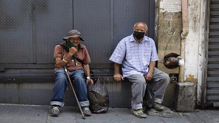 Cualquiera pensaría que, tras pasar toda una vida trabajando, al llegar a la tercera edad, todo sería más fácil y tranquilo. Pero, en Venezuela esto no ocurre. Ser adulto mayor en la otrora potencia petrolera es sinónimo de hambre y pobreza.