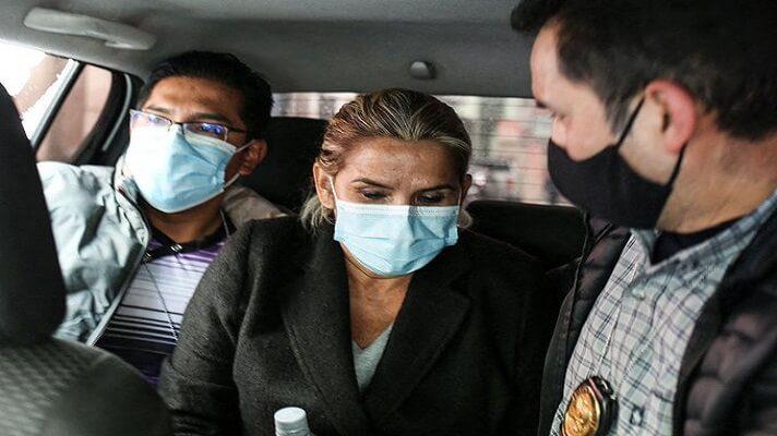 La expresidenta transitoria de Bolivia Jeanine Áñez pretendió quitarse la vida en penal donde cumple su detención preventiva. Pero, el Gobierno de Luis Arce que solo se hizo unos rasguños y se encuentra estable.