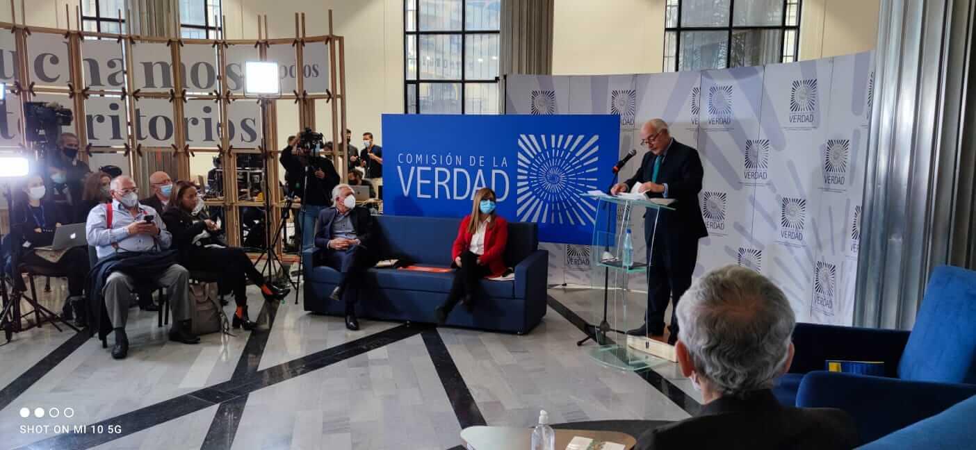 Andrés Pastrana ante integrantes de la Comisión de la Verdad.