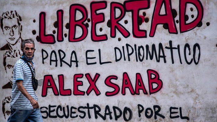 La defensa del empresario colombiano Alex Saab, testaferro de Nicolás Maduro, denunció este viernes a tres jueces y al fiscal general de Cabo Verde. Lo hizo por