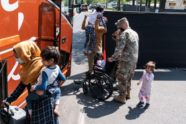 Afganos llegar´na a Colombia y el pais se prepara para recibirlos