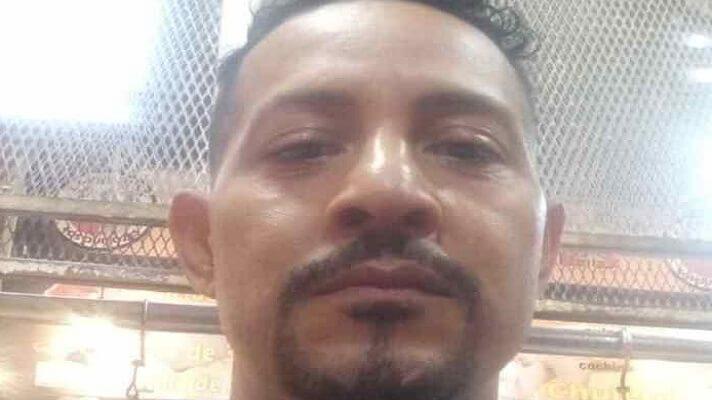 José Richard Rodríguez Cáceres, de 46 años, debe haber hecho algo terrible, pues las circunstancias de su muerte aún son un misterio para las autoridades del estado Táchira. Lo que es cierto es que el hombre, quien se desempeñaba como carnicero, murió de una manera terrible. Le dieron una paliza mortal y lo dejaron abandonado en plena calle.