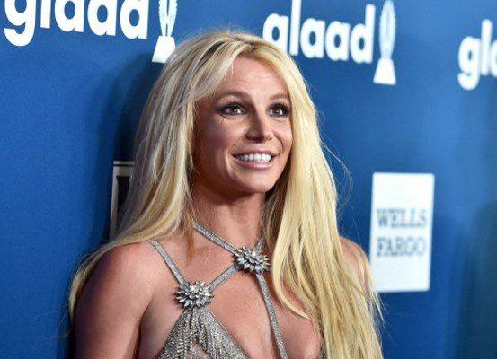 Britney Spears vuelve a posar sin ropa