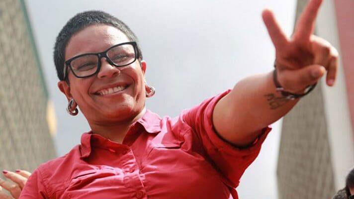 La dirigente del Psuv, Érika Farías, sorprendió este jueves a propios y extraños con su renuncia a la alcaldía de Caracas. Y es que a menos de 20 días de haber perdido en las primarias del partido, frente a Carmen Meléndez, Farías deja un cargo para el que, en el 2017, fue electa popularmente.
