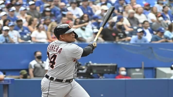 El toletero venezolano Miguel Cabrera, de los Tigres de Detroit, se convirtió este domingo en el jugador número 28 de las Grandes Ligas en conectar 500 jonrones en su carrera. Un toletazo en el sexto inning del juego entre su equipo y los Azulejos de Toronto, le dio su pase a la historia.