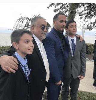Willie Colón con su hijo y nietos. Foto Instagram