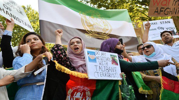 a-tiros-talibanes-acaban-manifestacion-en-kabul-donde-la-mayoria-eran-mujeres