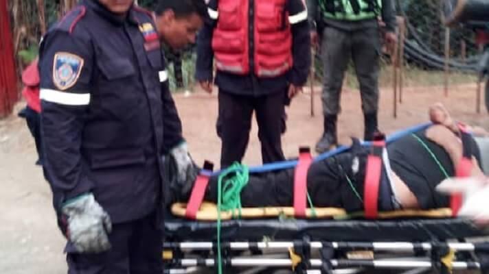 ¡AL VACÍO! Murió al caer por barranco en la Caracas-La Guaira (+Fotos)