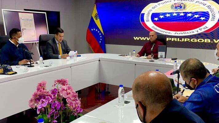 El ministro de Relaciones Interiores de Nicolás Maduro, Remigio Ceballos anunció las medidas que seguirá su despacho con motivo de la reconversión monetaria.