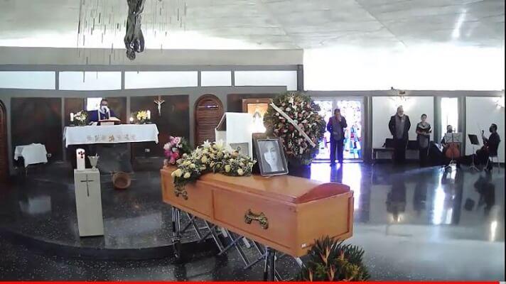 Este sábado sepultaron los restos de Marielys Beatriz Chacón, la madre que dio su vida por salvar la de sus hijos, tras el naufragio de la lancha Thor, mientras se dirigía de Higuerote a La Tortuga.