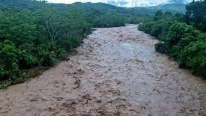 mueren-dos-ninos-ahogados-crecida-de-una-quebrada-en-colombia-arrastro-a-una-familia-de-migrantes-venezolanos