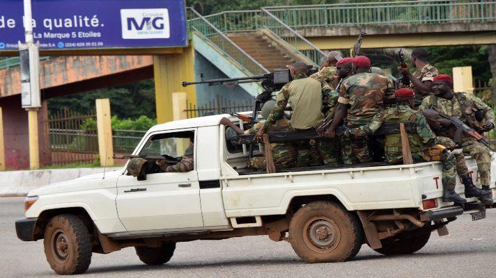 golpe-de-estado-en-guinea-insurgentes-dicen-que-tienen-al-presidente-y-el-gobierno-que-lograron-repeler-el-ataque