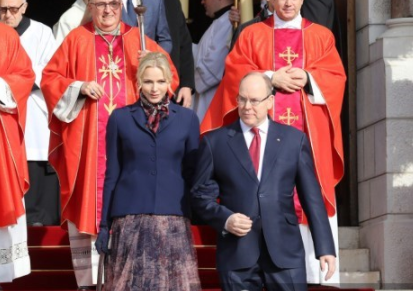 La princesa Charlene acompaña a su esposo a los actos públicos en Mónaco. Foto AFP