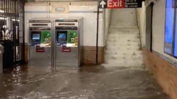 impresionantes-imagenes-del-metro-de-nueva-york-bajo-las-aguas-tras-la-tormenta-ida