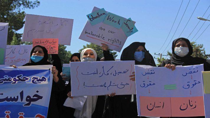 no-tenemos-miedo-el-grito-de-mujeres-afganas-que-se-atreven-a-protestar-ante-los-talibanes-en-defensa-de-sus-derechos