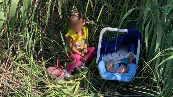 dos niños migrantes