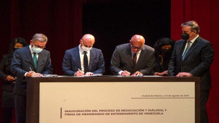foco-del-dialogo-en-elecciones-oposicion-baja-la-soberbia-y-chavismo-celebra-legitimidad