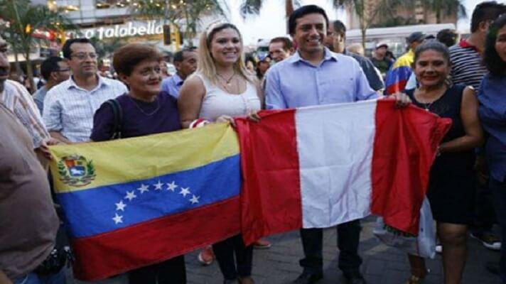 Si algo ha hecho el más del millón de migrantes venezolanos en Perú es hacer aportes a la economía de ese país, unido a que casi la mitad de estas personas tienen estudios universitarios o técnicos. Así lo determina un estudio realizado por la Cámara Venezolano-Peruana y la fundación alemana Konrad Adenauer-Stiftung (KAS).