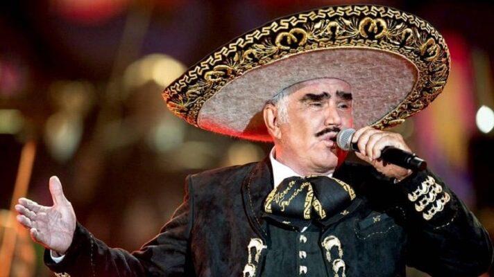 El hijo de Vicente Fernández desmintió el rumor acerca de que el cantante habría sufrido muerte cerebral.
